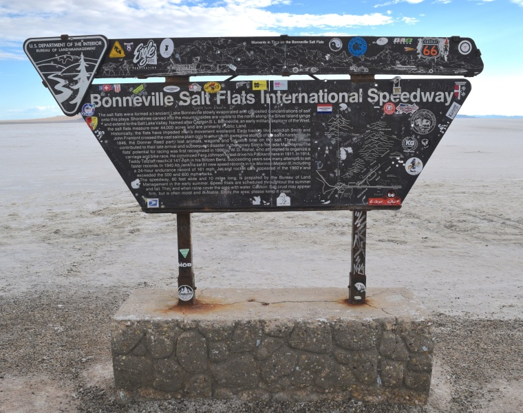 Wandering The Bonneville Salt Flats Utah - togetherintransit.nl 4